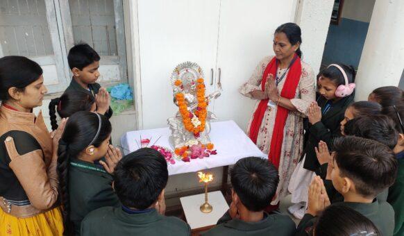 smt-savita-govind-english-medium-primary-school-gandhinagar-sg-school